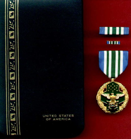 US Joint Service Commendation medal in case with ribbon bar and lapel pin