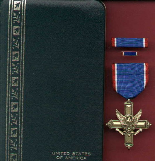 US Army Distinguished Service Cross Medal in case with ribbon bar and lapel pin