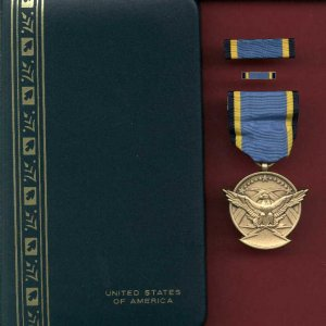 US Aerial Achievement  medal in case with ribbon bar and lapel pin