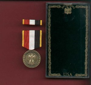 Operation Iraqi Freedom Commemorative medal in case with ribbon bar and lapel pin