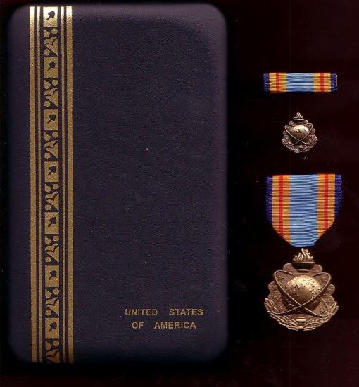 US Department of Defense Intelligence Agency Directors medal  cased set