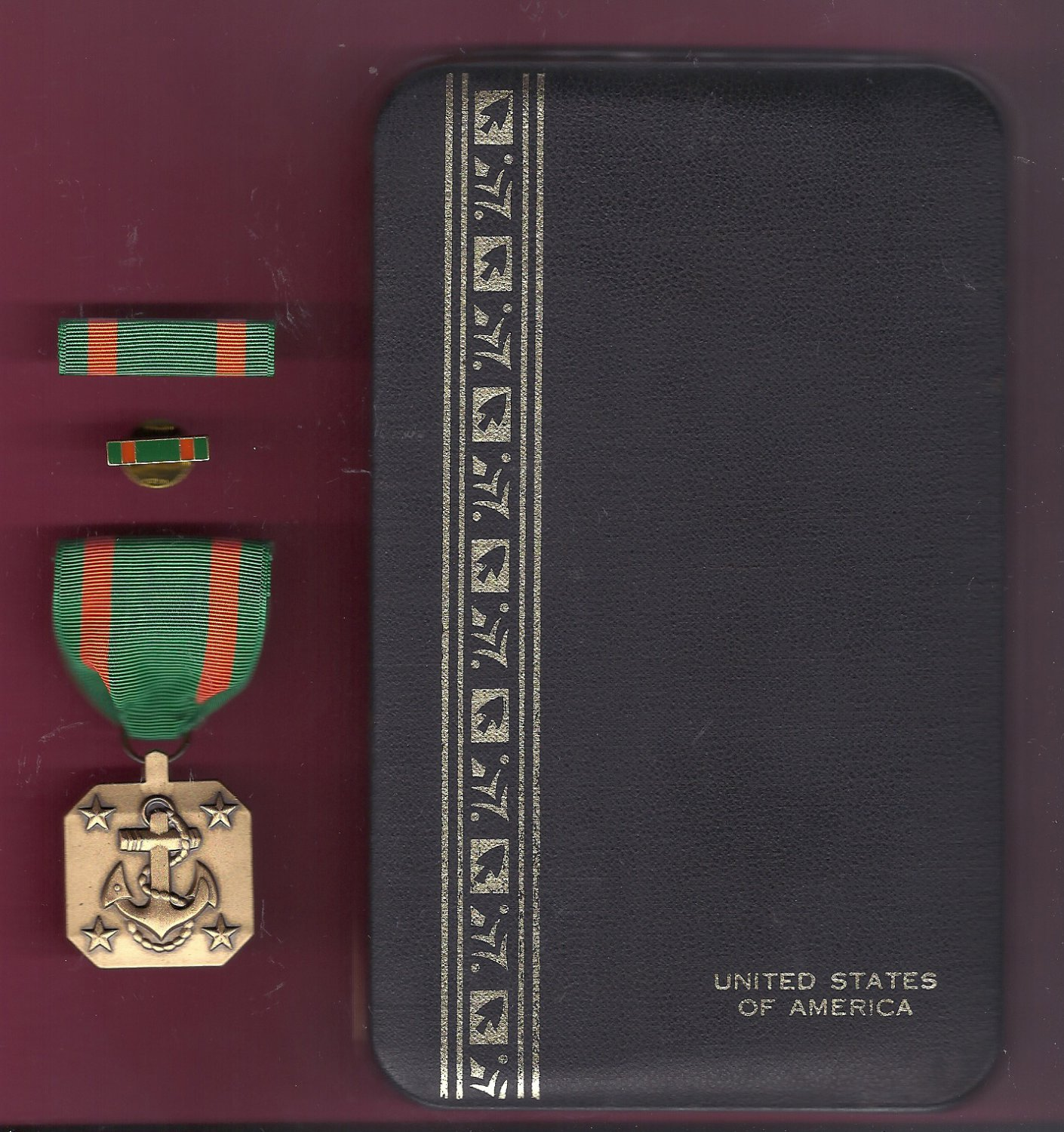 US Navy and Marine Corps Achievement Award medal in case with ribbon bar and lapel pin