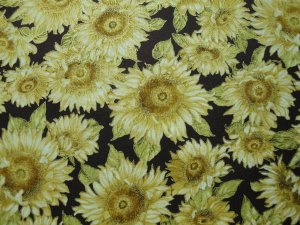 LARGE SUNFLOWERS HILITED IN GOLD-RUST B/G-KAUFMAN-F/Q-QUILTING-SEWING-CRAFTS