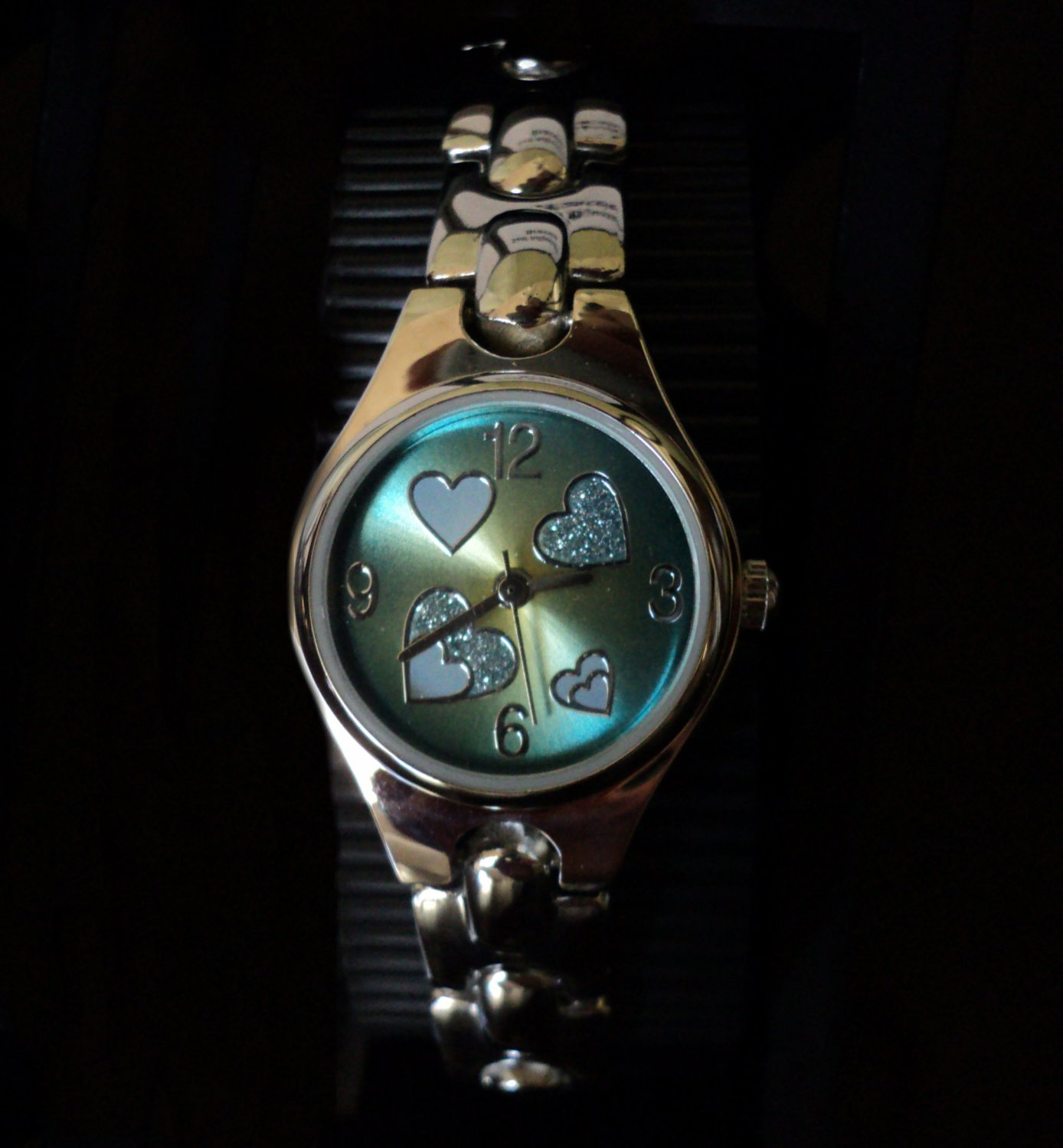 FMD Hearts Collection Sunray Dial Ladies' Bracelet Watch