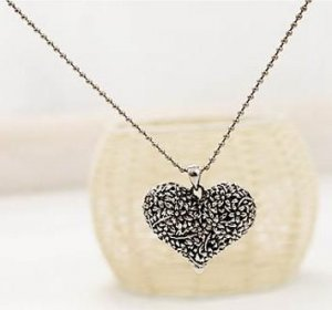 Ancient Flower Heart Retro Style Sweater Necklace