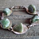 Green Jasper Stone Bracelet Gold Tone Linked Vintage Retro Fashion Jewelry