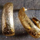 Vintage Gold Tone Stud Wide Hoop Earrings Flower Design Costume Fashion Jewelry