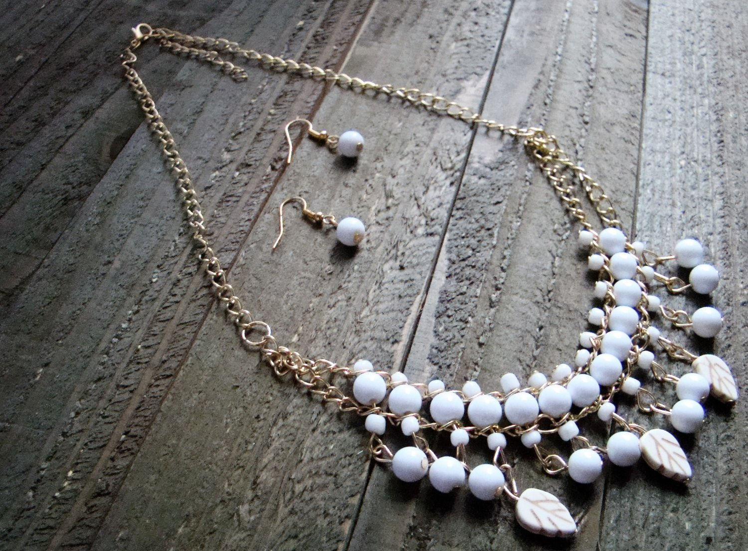White Dangle Leaves Bead Boho Fashion Statement Bib Chain Necklace Earrings Jewelry