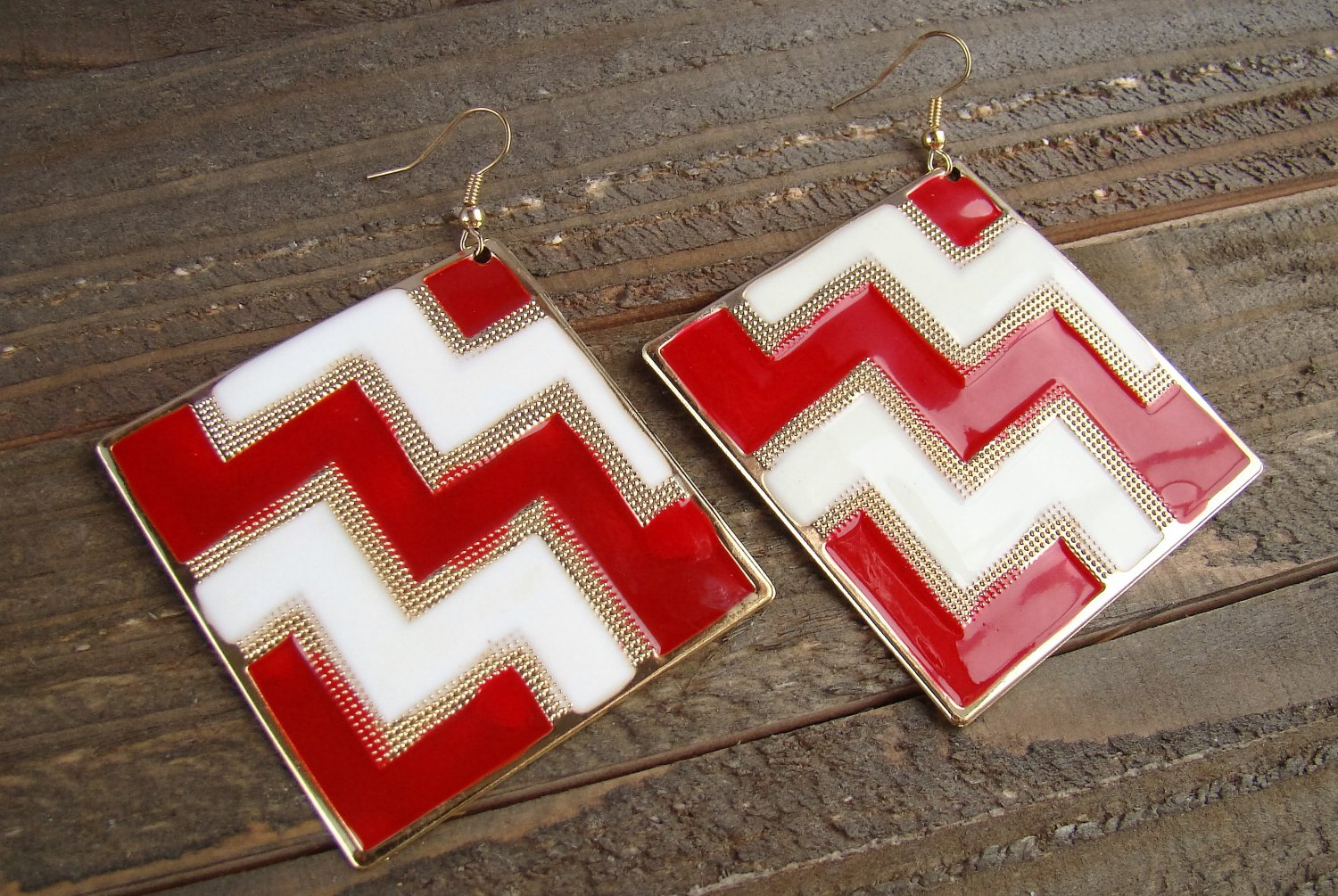 Red White Chevron ZigZag Design Large Square Drop Dangle Hook Earrings Fashion Jewelry