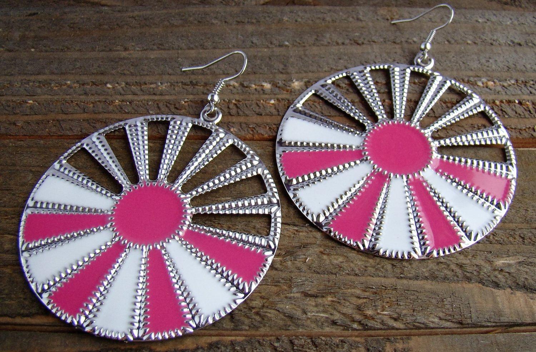 Pink White Sunburst Silver Wheel Fan Circle Round Dangle Hook Earrings Fun Fashion Jewelry