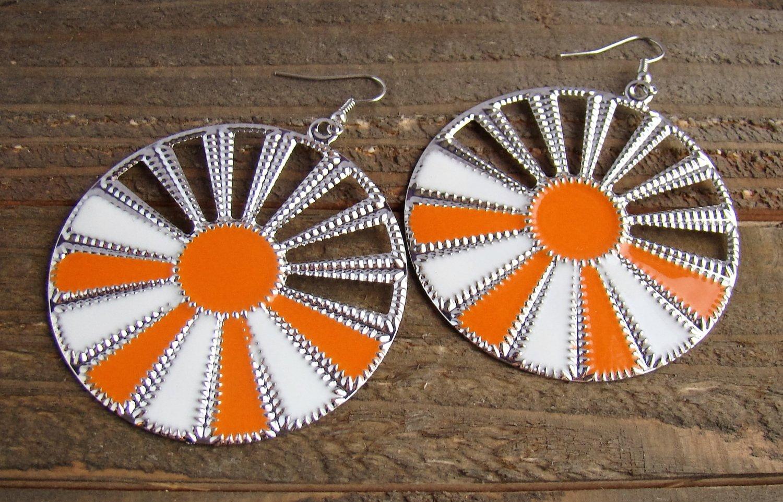 Orange White Sunburst Silver Wheel Fan Circle Round Dangle Hook Earrings Fun Fashion Jewelry