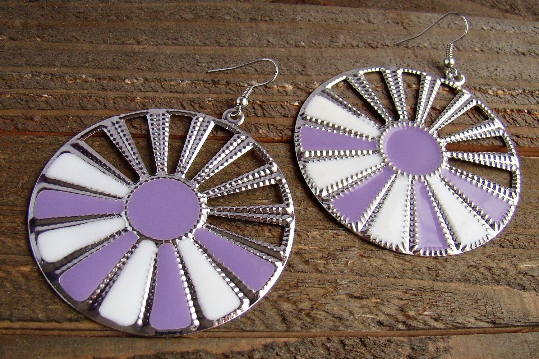 Purple White Sunburst Silver Wheel Fan Circle Round Dangle Hook Earrings Fun Fashion Jewelry