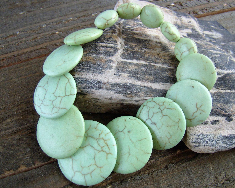 Graduated Flat Green Stone Chunky Stretch Bracelet Fashion Statement Jewelry Colorful