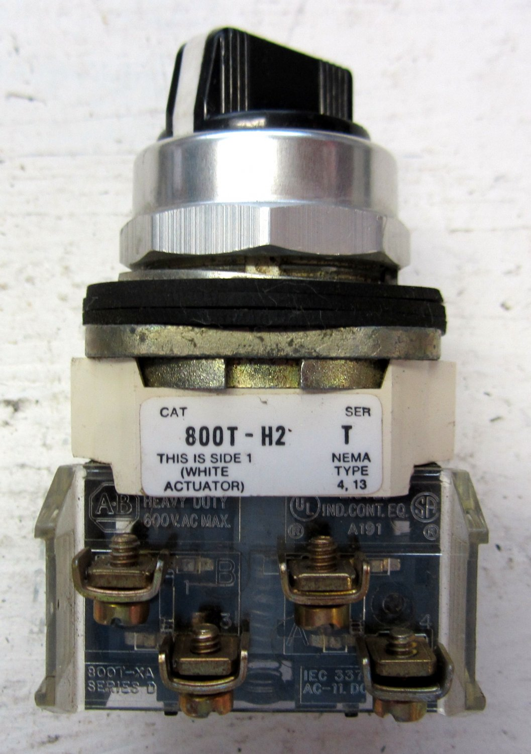 Allen Bradley 800t H2 Selector Switch 2 Position