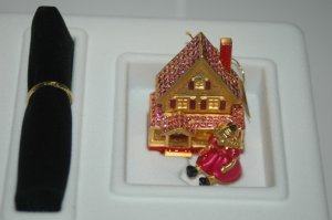 Estee Solid Compact ~ Victorian Doll House MIB ~
