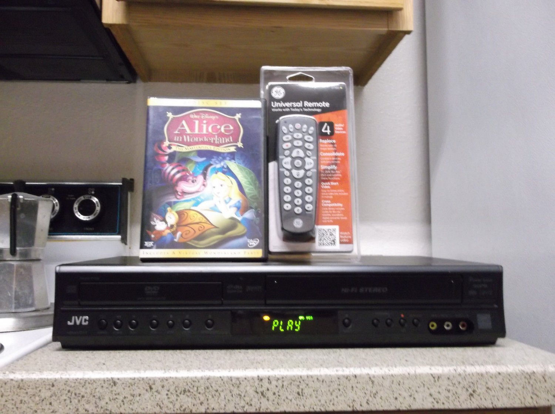Refurbished JVC HR-XVC118U VCR/DVD Combo HIFI Player W/ 4-1 Remote & 1 DVD Movie