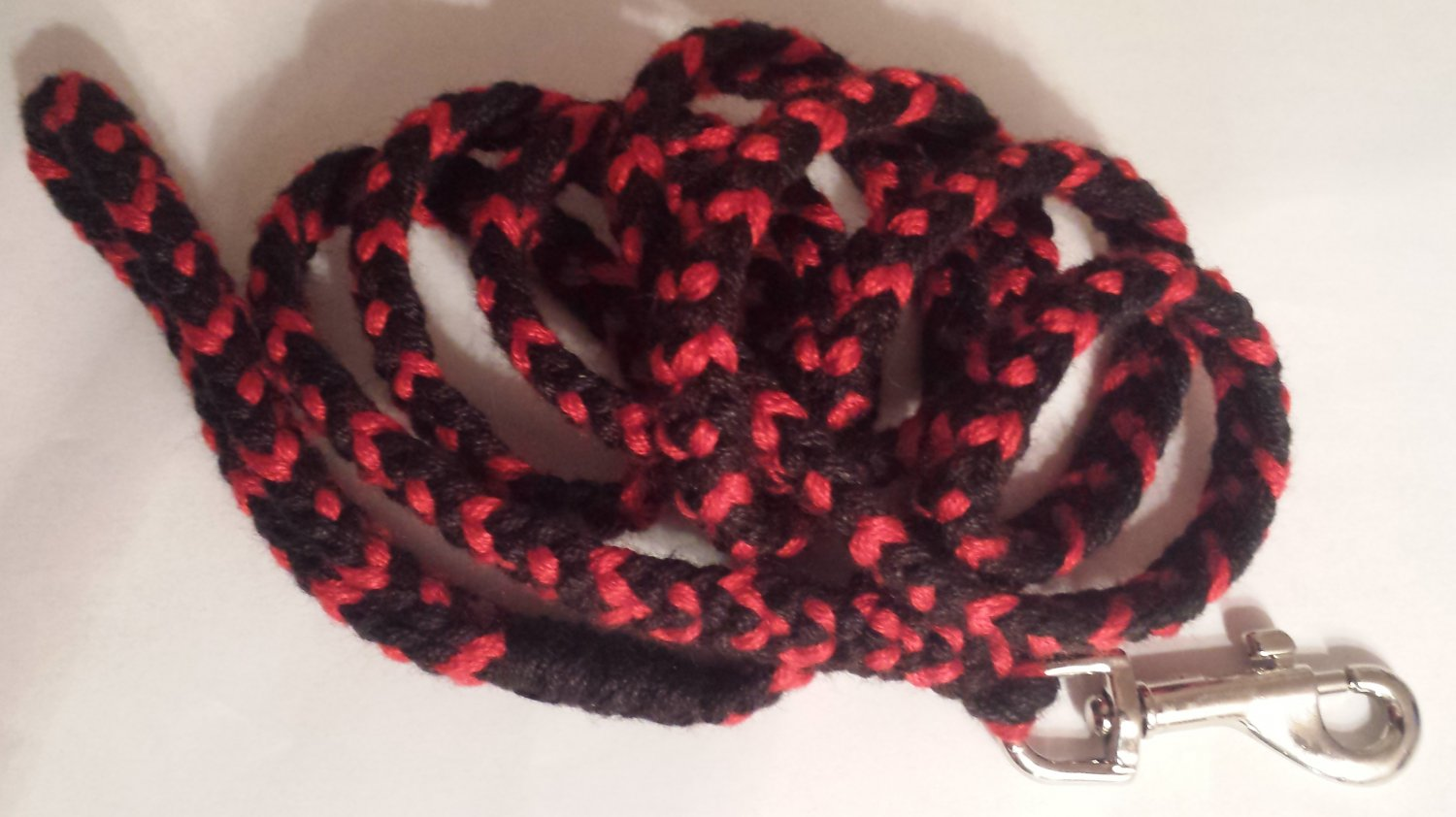 "Red & Black Rounded Flat Braid Lead - 52"" Long w/ 3.5"" Handle"