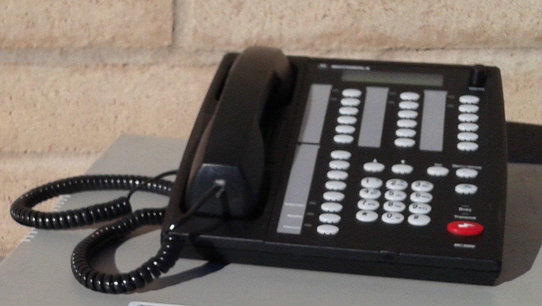 REDUCED!! Motorola MC3000 Deskset Controller L3223A