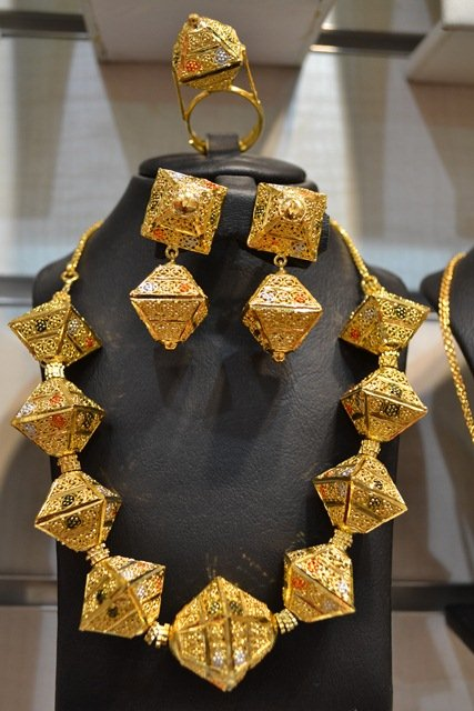 dubai gold plated necklace set