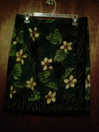 NWT Requirements brand size Large ladies' wrap skirt in green, gold, blue and black