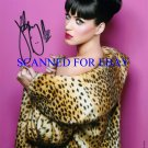 KATY PERRY SIGNED AUTOGRAPHED 8x10 PHOTO KISS A GIRL