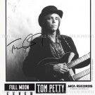 TOM PETTY SIGNED AUTOGRAPHED 8X10 RP PROMO PHOTO LEARNING TO FLY