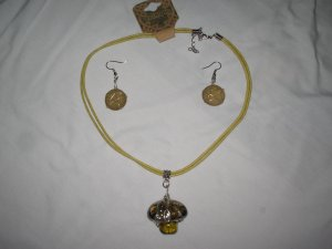 Set of Necklace + Earrings