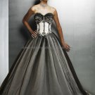 Strapless Sweetheart Bridal Gown Black Tulle White Satin Embroidery Beading A-line Wedding Dress