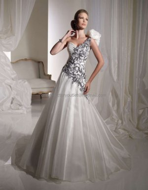 One Shoulder Bridal Ball Gown Black Embroidery White Organza  Beading A-line Wedding Dress