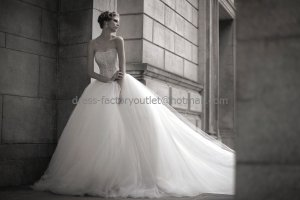 Ivory White Tulle Lace Bridal Gown Strapless Lace Bodice Strapless Wedding Dress Ball Gown