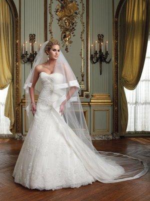 1 Tier Wide Satin Ruffles Tulle Cathedral Cut Wedding Veil 2.8X1.5 M Bridal Dress Veils