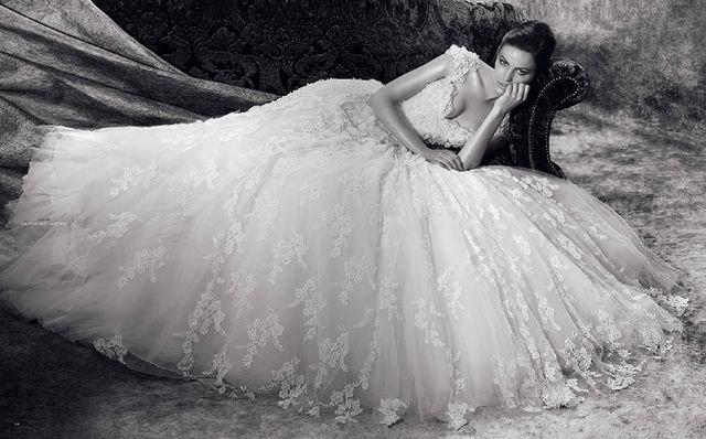Видеть во сне в свадебном платье – к приятным переменам к лучшему.