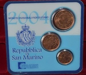 SAN MARINO THREE EURO COINS 2004 IN COINCARD MINT UNC RARE