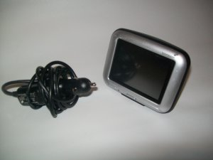 Tom Tom Go 700 Gps w/ Car Charger