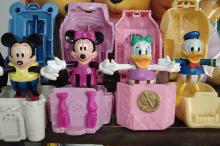 Macdonald Disneyland Full set