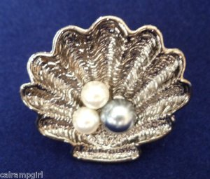 Sea Shell cocktail Ring antique silver gray white pearl