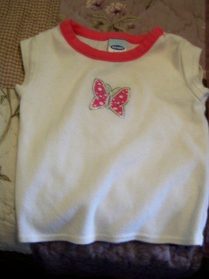 Old Navy tee size 3-6 m