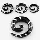 Pair of African Black Horn Spiral Taper Talon Expander Ear Plugs Stripe Design in 4mm