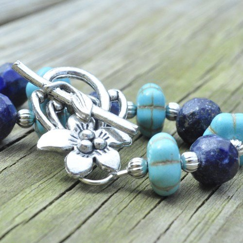 Bracelet turquoise and lapiz with decorative silver clasp