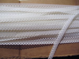 """30 Yards of Narrow 7/16"""" White Edging Trim Great for Dolls Crafts Bears"""