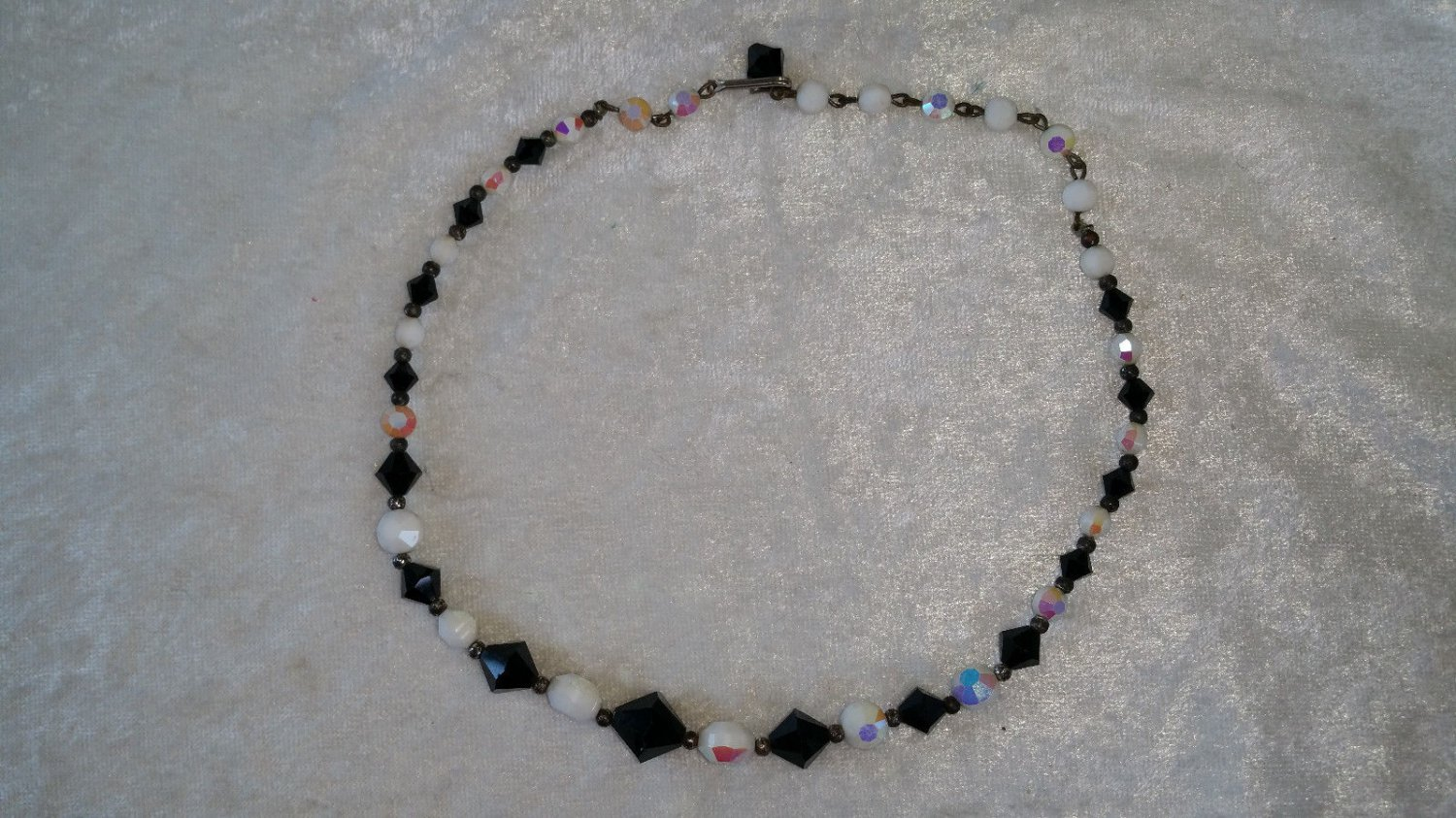 Iridescent glass black and white beads flatl necklace Vintage