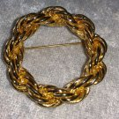 Vintage gold tone rope chain wreath pin brooch so very understated