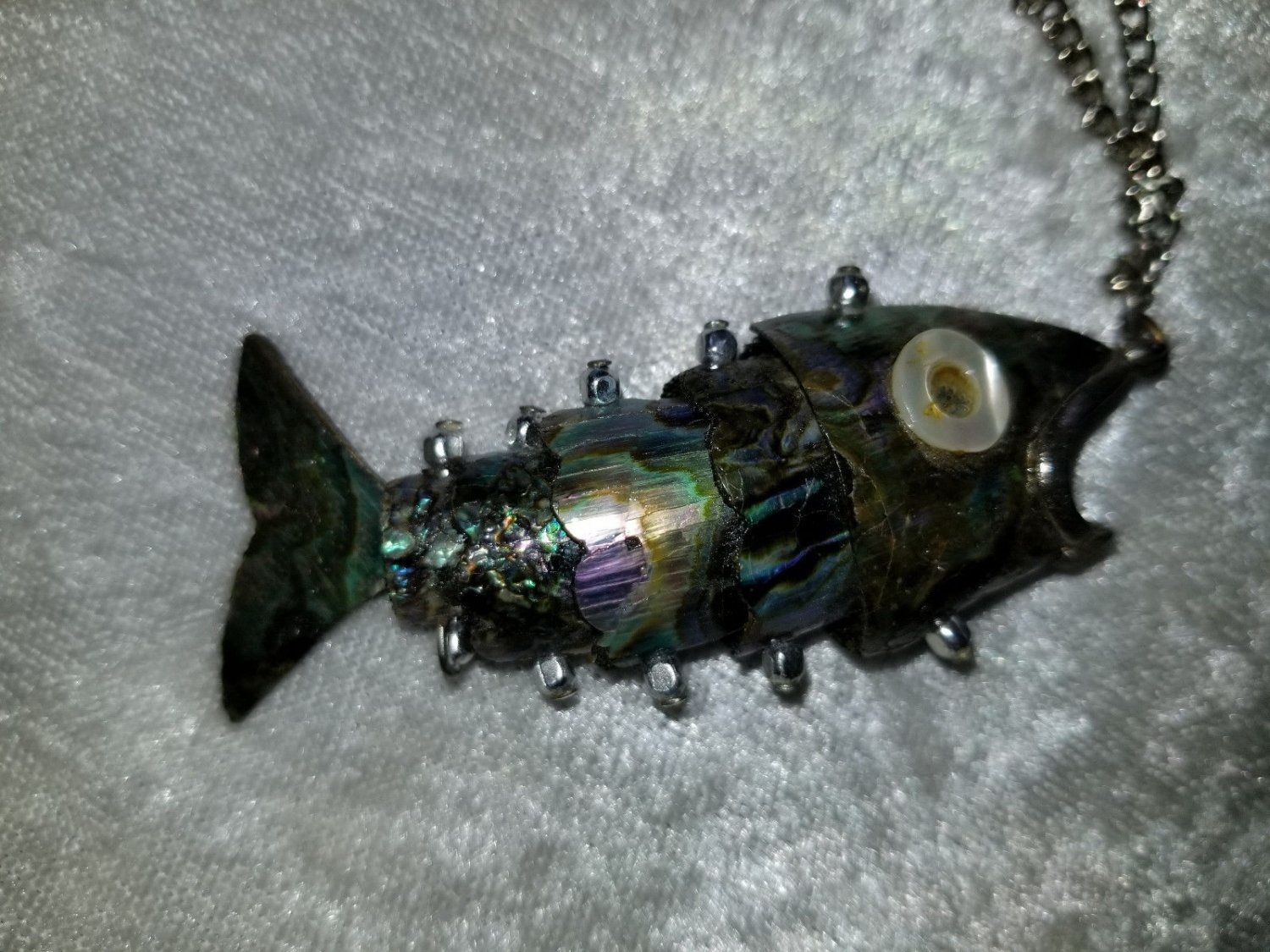 Vintage movable Abalone fish necklace very collectable