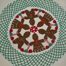 Christmas Gingerbread Boy & Girl Doily Pattern