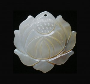 Sea Shell Mother of Pearl Carved Lotus Pendant GC0031