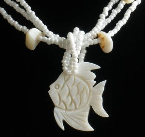 Natural Sea Shell Mother of Pearl Carved Fish Statue Amulet Pendant GB1007