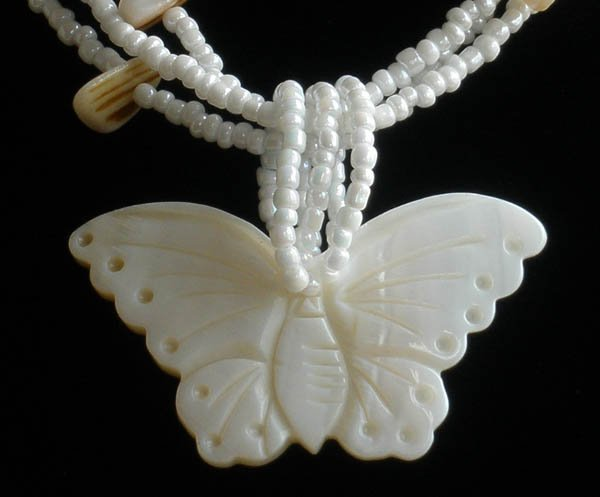 Natural Sea Shell Mother of Pearl Carved Butterfly Statue Amulet Pendant GB1006