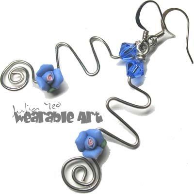 Zig Zag - Sapphire / Blue Swarovski Rose Earrings