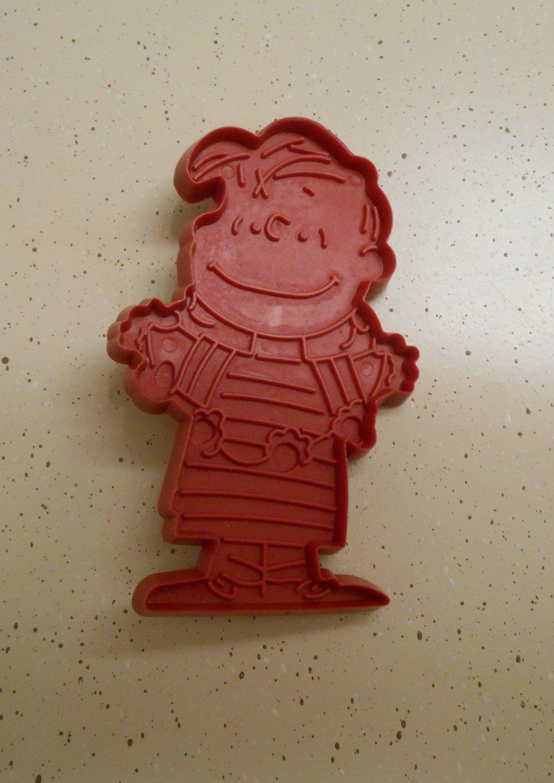 Hallmark Linus Cookie Cutter Peanuts