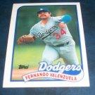 Topps 1988  **FERNANDO VALENZUELA** BASEBALL CARD #150